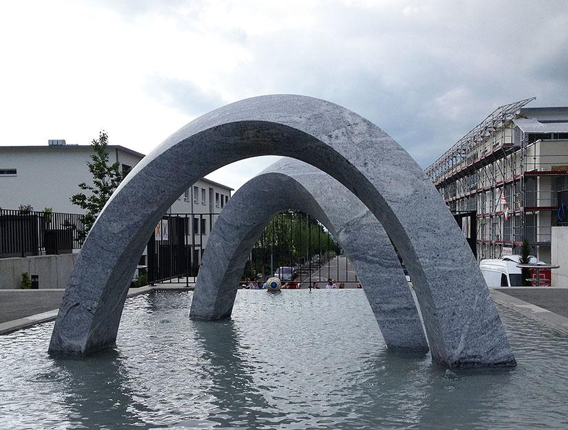 Skulptur Gli Archi