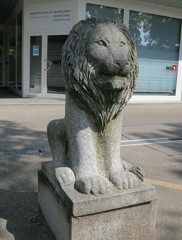 Löwe Skulptur